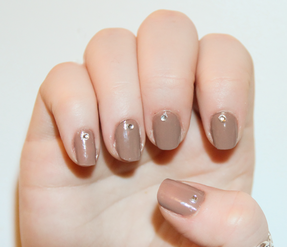 Maybelline Spring Nude Nail Art
