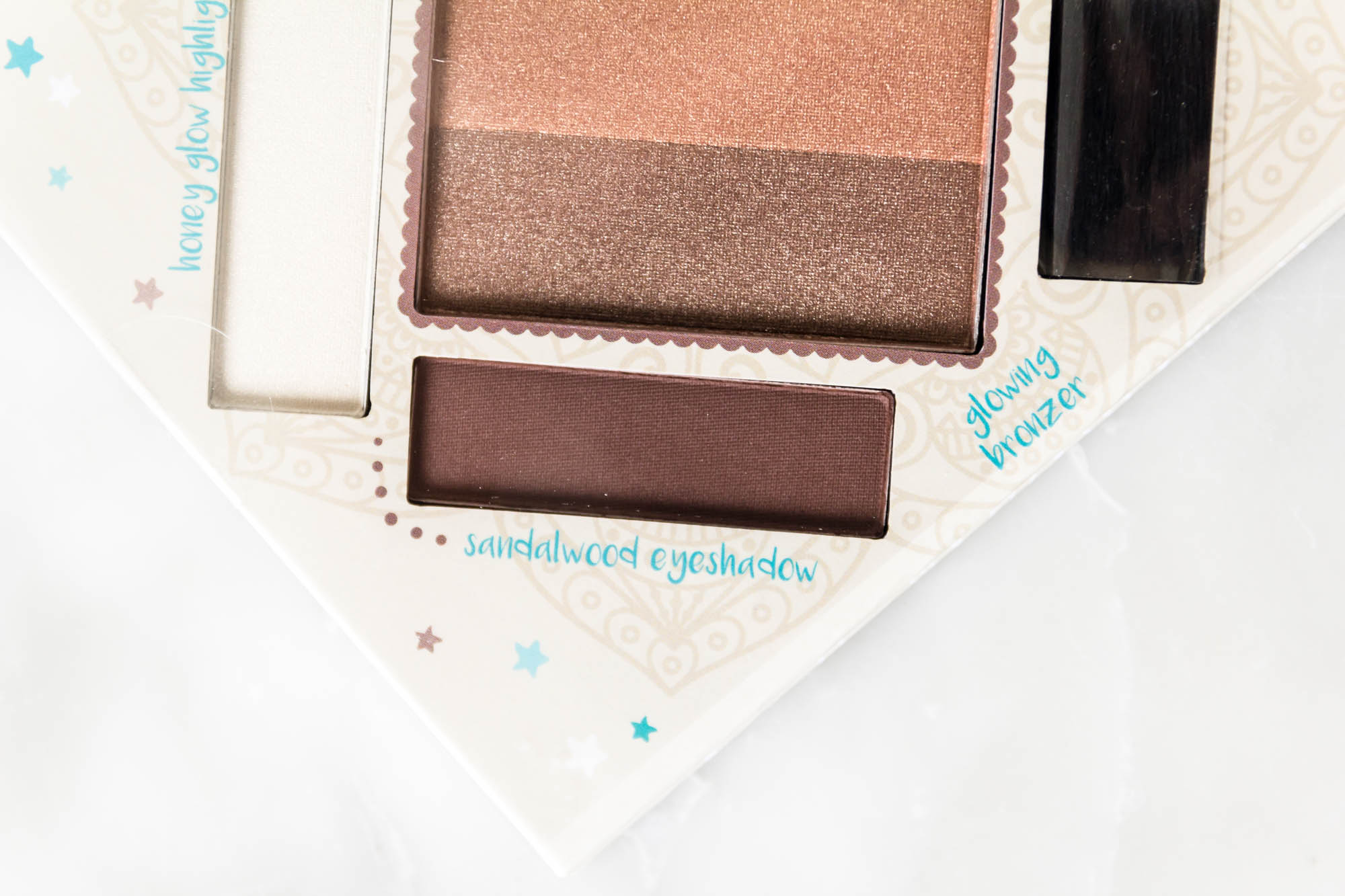 essence cosmetics the glow must go on bronzing and highlighting palette