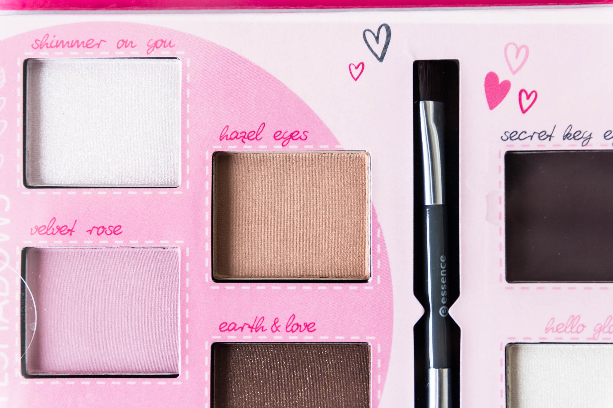 essence cosmetics vintage rose eye palette