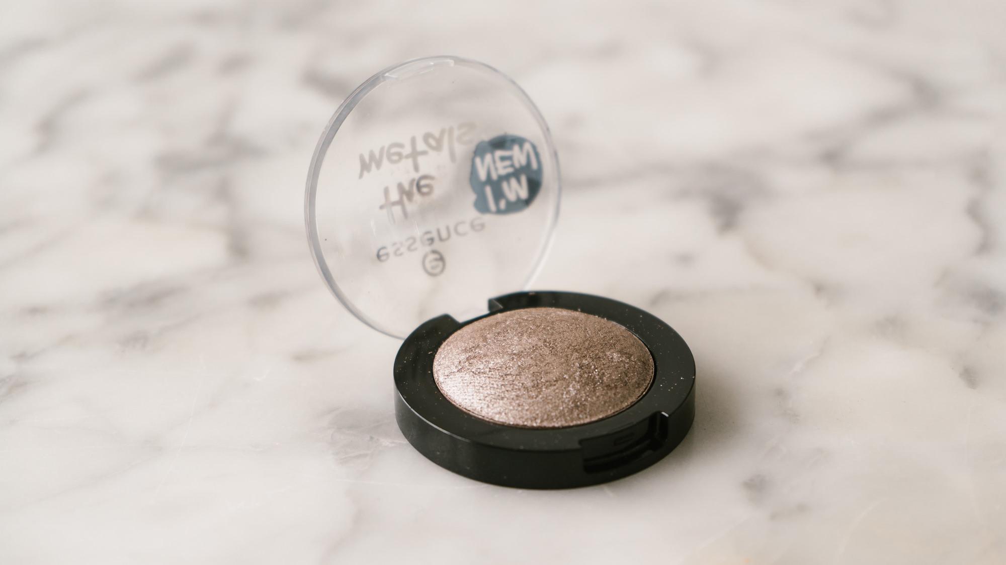 new-essence-cosmetics-autumn-makeup-releases