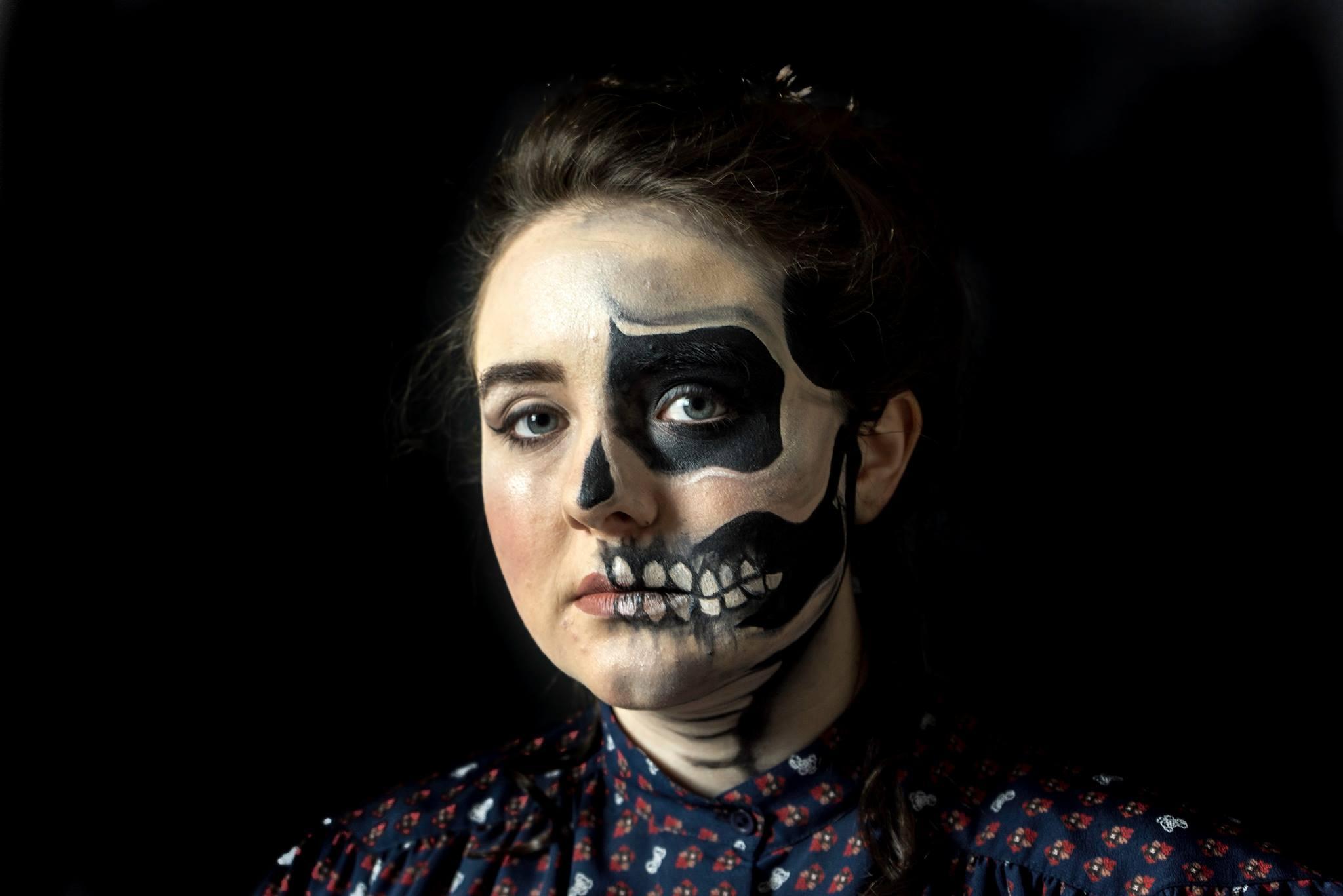 Halloween Face Paint - Victorian Halloween Faded Skull