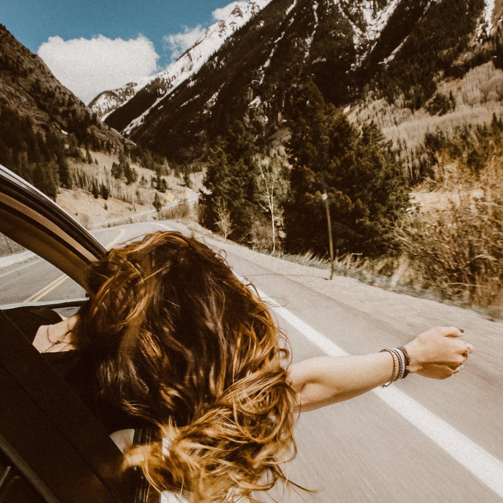 roadtrip girl mountains