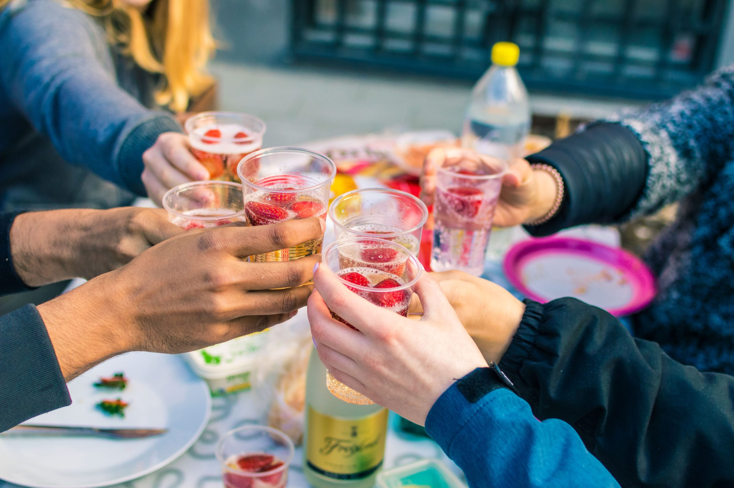 How to plan a perfect summer party 1